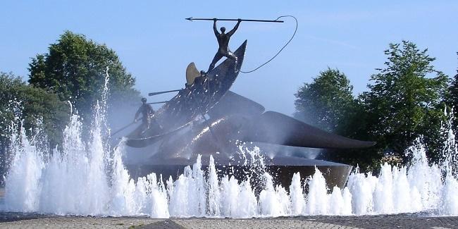 אנדרטת ציד הלווייתנים בסנדהפיורד