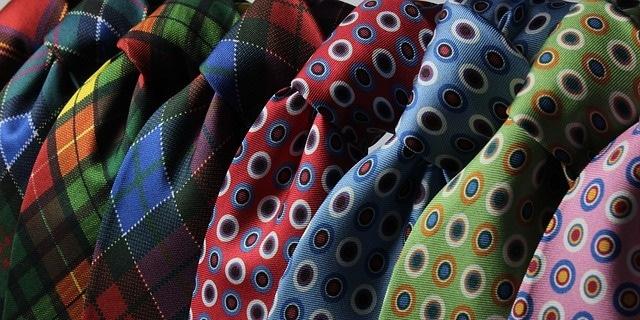 בגדים צבעוניים