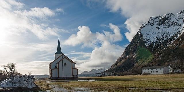 כנסייה בולברג - איי לופוטן