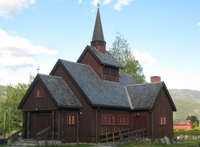 הכנסייה העתיקה נייסבין