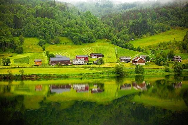כפר טיפוסי בנורבגיה