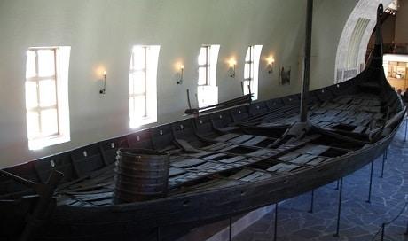 ספינה ויקינגית עתיקה - מוזיאון הספינה הויקינגית באוסלו - עותק