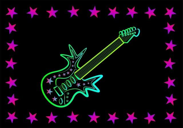 שלט ניאון של גיטרה חשמלית - במרכז המופעיםPopsenteret באוסלו
