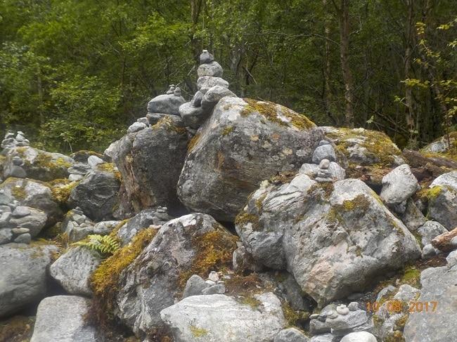 והוספתי אבנים לגלי האבנים הקיימים