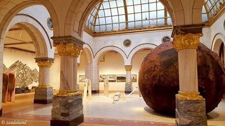 פנים המוזיאון לאמנות מודרנית - Museet for samtidskunst
