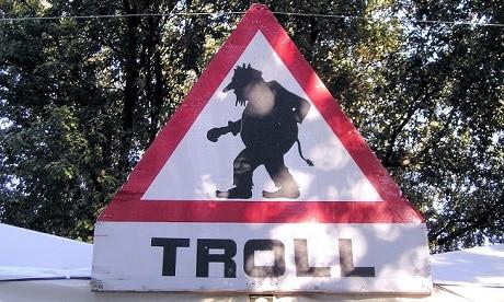 תמרור אזהרה מפני טרולים - עותק
