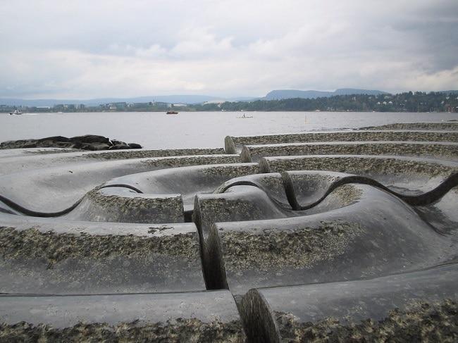 האנדרטה לקורבנות הצונאמי