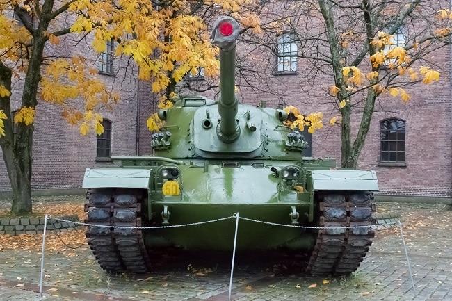 טנק בחצר מוזיאון הכוחות המזוינים באוסלו