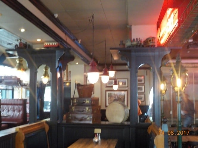 פנים מסעדת Café Stationen