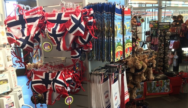 מזכרות בתוך החנות הנורבגית באוסלו