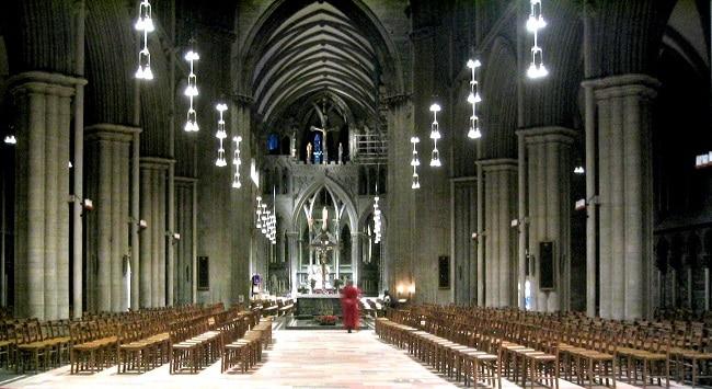 פנים הקתדרלה