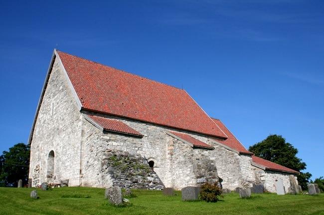 כנסייה בחצי האי Inderøy  מימי הביניים