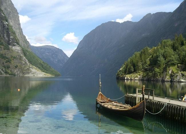 מחכים לכם ב- Nærøyfjord